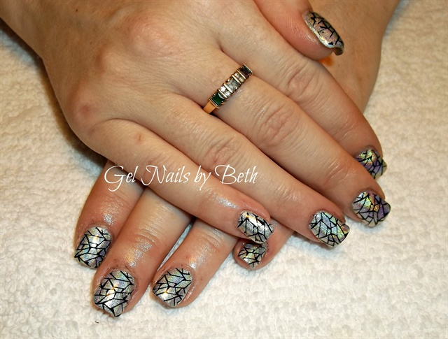 Day 178 Bows Hearts Amp Crackle Nail Art Nails Magazine