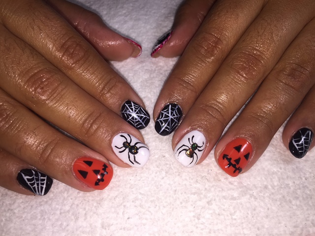 Day 287: Jack O\' Lantern Nail Art - - NAILS Magazine