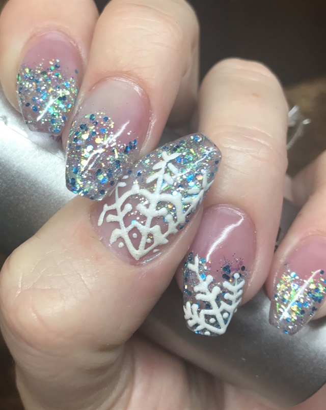 Day 338 snowflake nail art nails magazine adrienne bishop nail crazed spanish fork utah prinsesfo Gallery