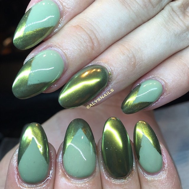 Day 73: Green Chrome Nail Art - - NAILS Magazine