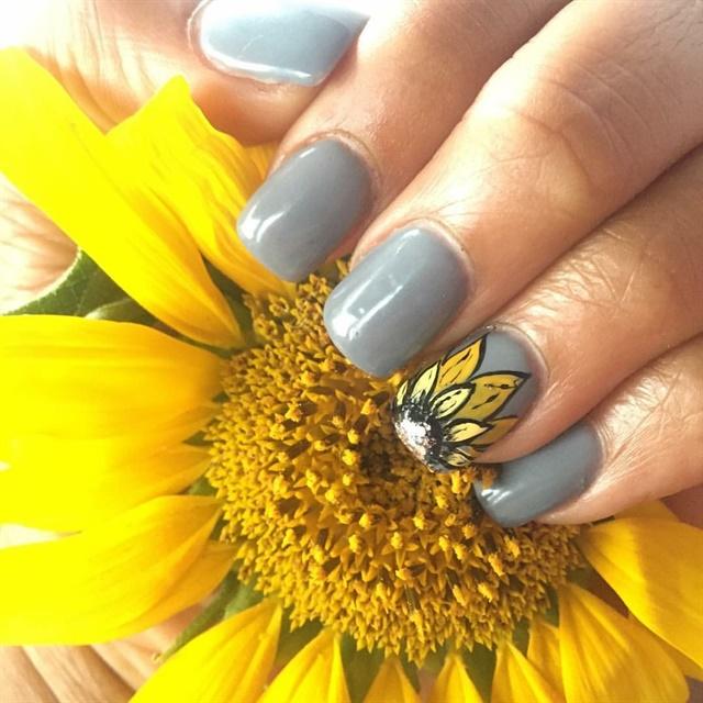 Kristi Nguyen, CT Nails & Spa, Milledgeville, Ga. - Day 78: Sunflower Nail Art - - NAILS Magazine