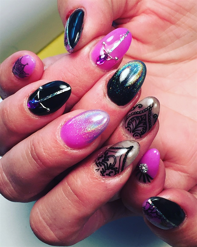 day 13  pink  black  and silver nail art -