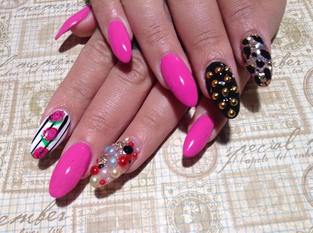 Day 134 Roses And Sparkles Nail Art Nails Magazine
