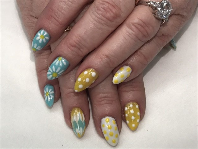 Day 14 Daisy Nail Art Nails Magazine