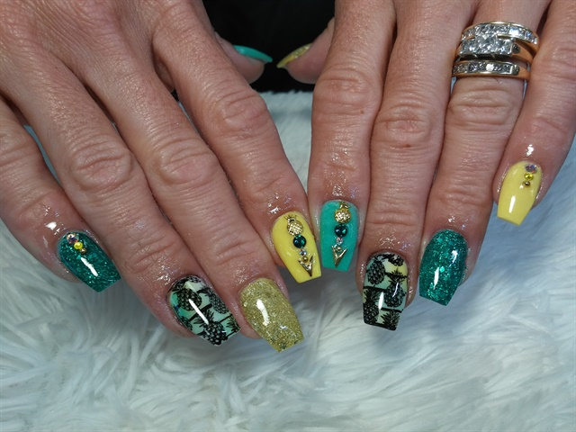 Day 150: Tropical Pineapple Nail Art - - NAILS Magazine