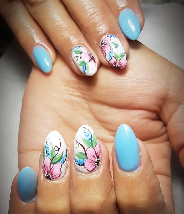 Q Riouser Q Riouser Nail Art: Day 151: Flower And Festival Nail Art