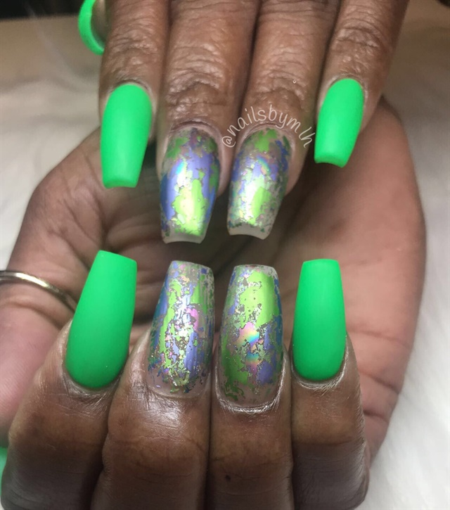 Day 198: Summer Art Deco and Foil Nail Art - - NAILS Magazine