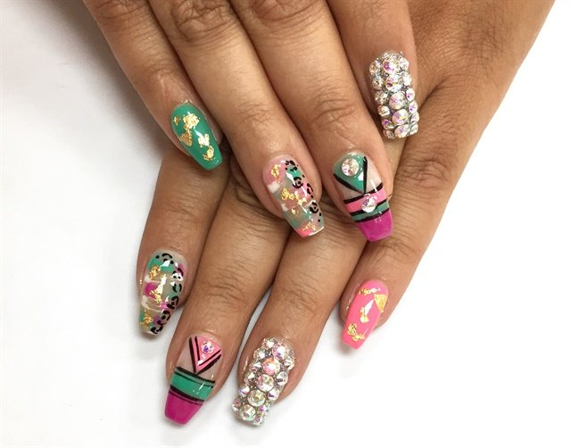 Day 23: Lovely Linear Nail Art - - NAILS Magazine
