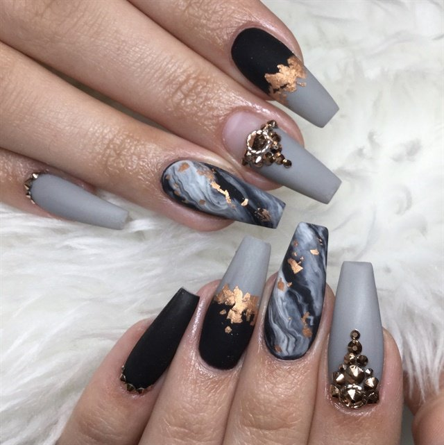Day 233 Marble And Foil Nail Art Nails Magazine