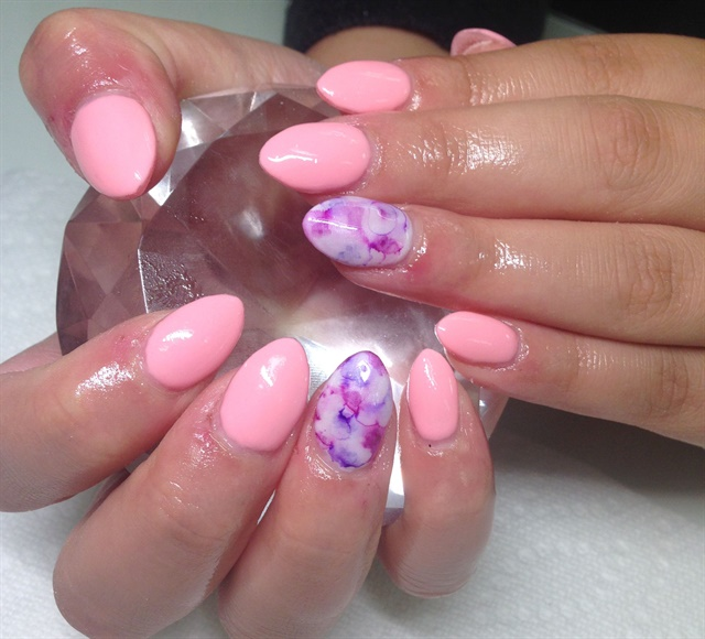 Day 259: Glitter and Marble Accent Nail Art - - NAILS Magazine