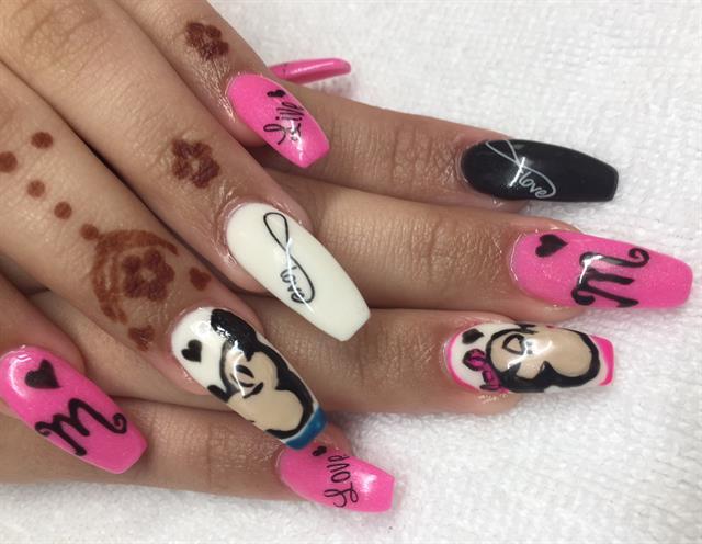 Day 34 Mickey Hearts Minnie Nail Art Nails Magazine