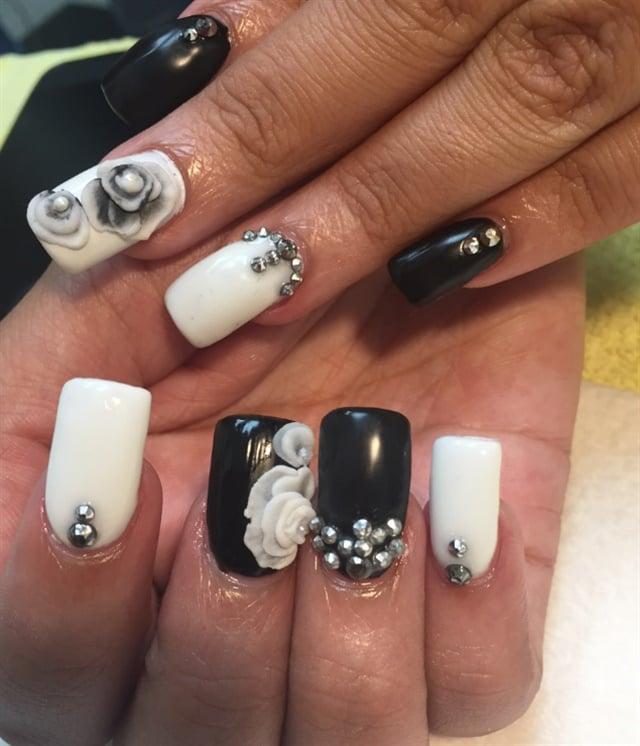 Day 51: Black and White Flower Nail Art - - NAILS Magazine