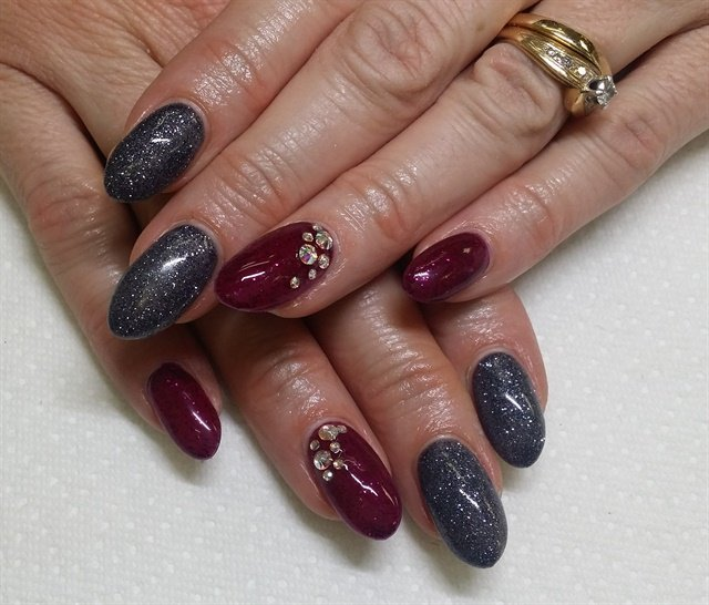 Jennifer Champion, Arts Desire Beauty Bar, Victoria, British Columbia,  Canada - Day 7: Red & Gray Nail Art - - NAILS Magazine