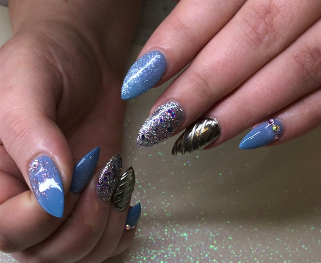 <p>Lianna Nguyen, Zen Nails, Florence, Ky. @zennailsllc</p>