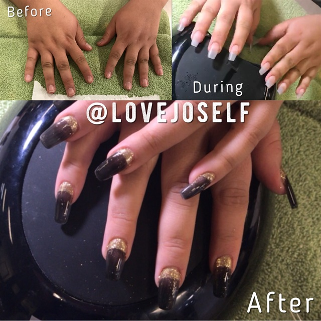 <p>Here are some sculpted medium coffin nails with black gel-polish and gold glitter.</p>
