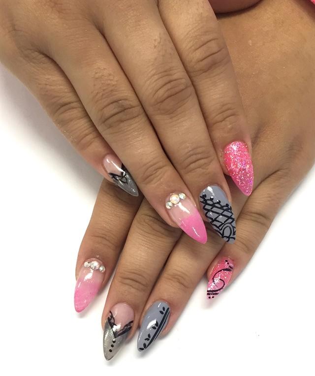 Day 332: Elegant Embellishment Nail Art - - NAILS Magazine