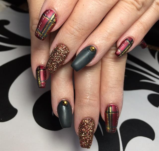 Day 348 christmas plaid nail art nails magazine jaime deviva naild by jaime westover md prinsesfo Choice Image