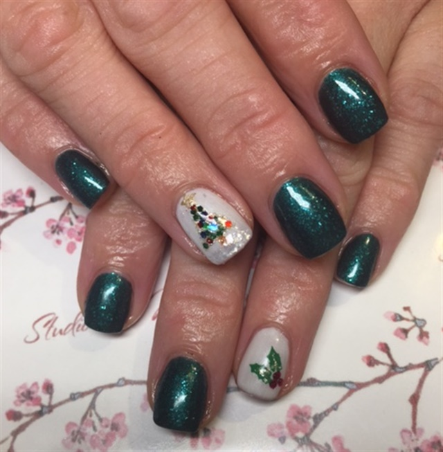 Day 349: Sweaters & Sparkles Nail Art - - NAILS Magazine