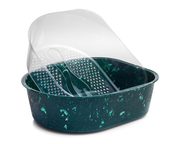 Belava's Marbled Jade Pedicure Tub accommodates the company's sanitary disposable liners.