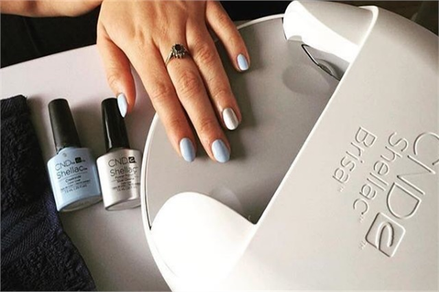 how to get nail clients