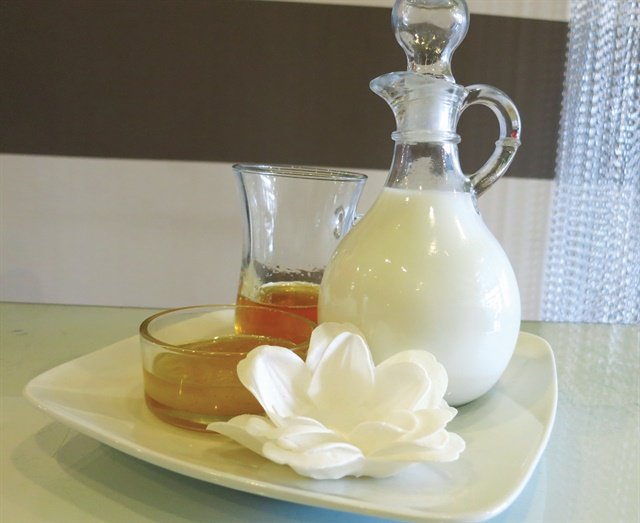 Natural ingredients like honey are increasingly being incorporated into a variety of services.