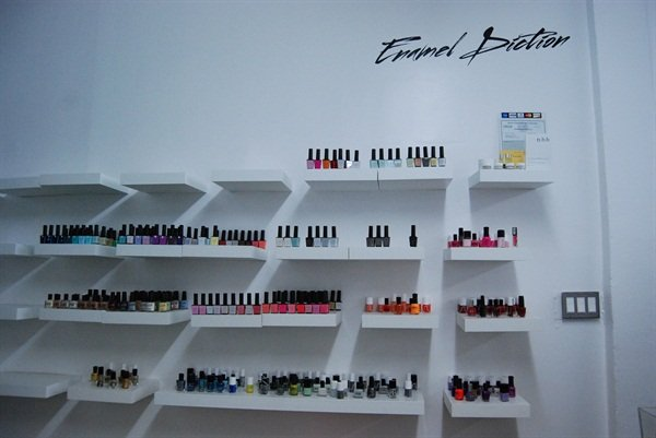 <p>Enamel Diction's nail polish and gel-polish offerings include brands like Presto Nails, Vinylux, RGB, and among others. </p>