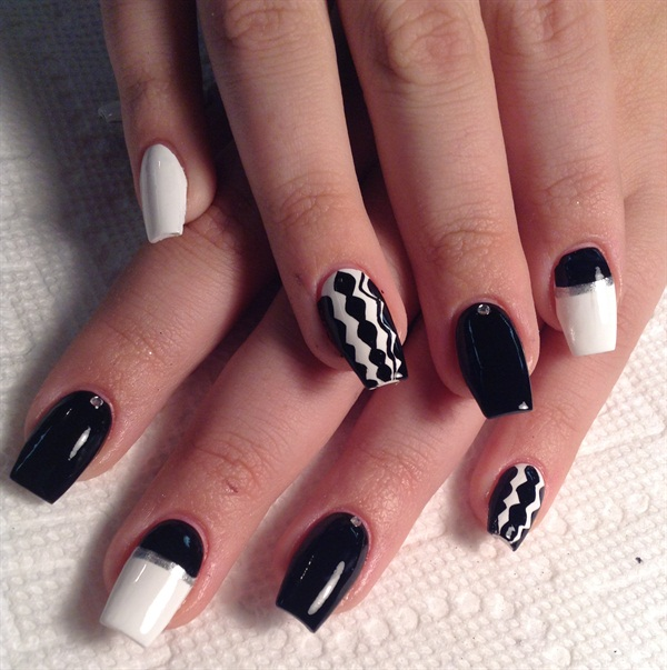 - Day 105: French Of A Different Color Nail Art - - NAILS Magazine