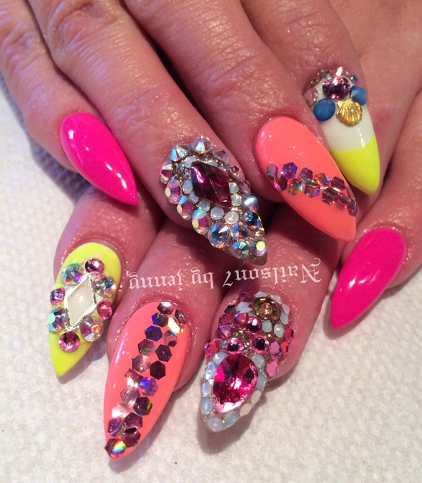 Day 169 Bold And Bedazzled Nail Art Nails Magazine