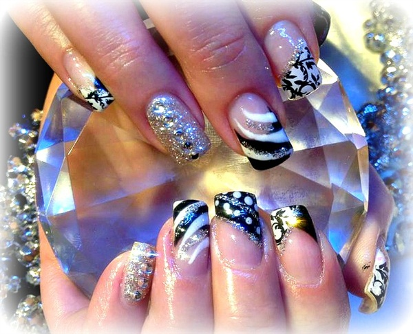 Day 193 Spots Swoops Nail Art Nails Magazine