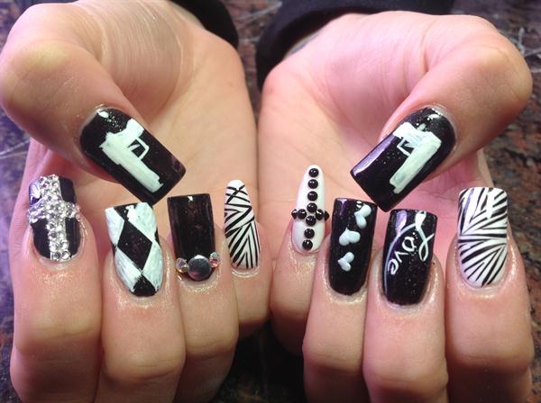 Day 200 love hate nail art nails magazine susie gutierrez nails by susie las vegas prinsesfo Choice Image