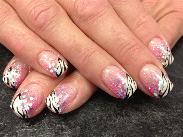 Janelle Lamont, Tickled Pink Beauty Bar, Williams Lake, British Columbia,  Canada - Day 208: Pink Zebra Nail Art - - NAILS Magazine