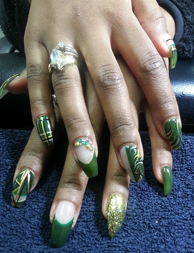 Day 364: Green & Gold Nail Art - - NAILS Magazine