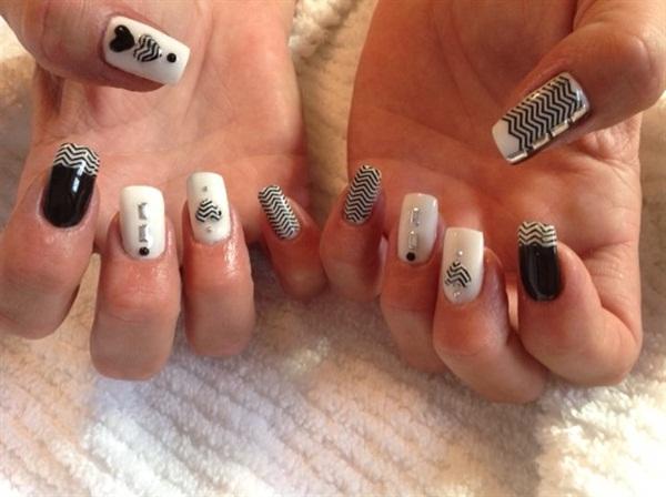 Day 86 Black And White Zigzag Nail Art Nails Magazine