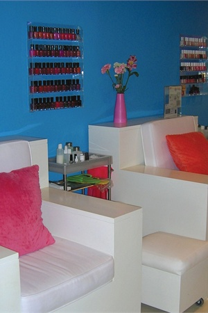 <p>The cleaning and presentation of the pedicure and manicure areas are performed by preppers, who are paid minimum wage and given a portion of the tips for their work.</p>