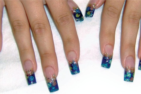 <p>1st place: Heidi Bender, Artistry Nails, Phoenix</p>