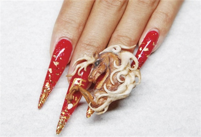 Even though the Derby is an annual event, 2014 was the Year of the Horse. - 11 Nail Designs In Honor Of The Kentucky Derby - - NAILS Magazine