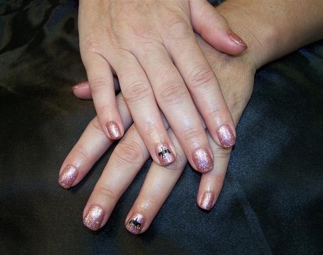 "<p>Via <a href=""http://nailartgallery.nailsmag.com/nancyk/photo/315835/pink-pleasure-horse"">Nail Art Gallery</a></p>"