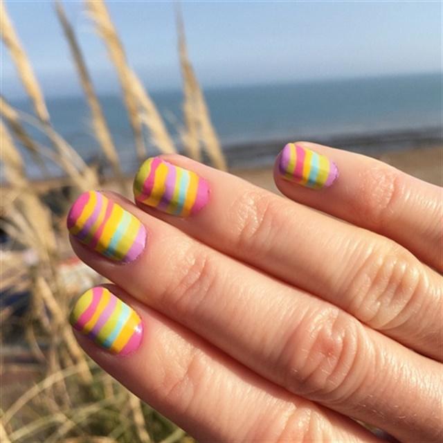 "<p>Via <a href=""http://nailartgallery.nailsmag.com/rybanails/photo/438538/rainbow-layers"">Nail Art Gallery</a></p>"