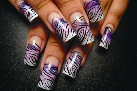 <p>Danalynn Stockwood used a fan brush to blend the background colors on these nails.</p>