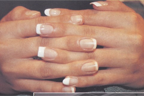 <p>Elliott's technical skills have earned her rave reviews from clients and first-place competition trophies. She offers a wide range of services, including gels, wraps, acrylics, and natural nail manicures and pedicures.</p>