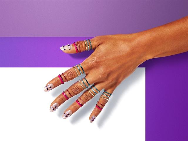 <p>Freedom inspired nails by Eichi Matsunaga.</p>