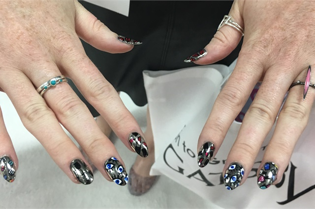 """<p><a href=""""https://www.instagram.com/thedailynail/"""">@thedailynail</a></p>"""