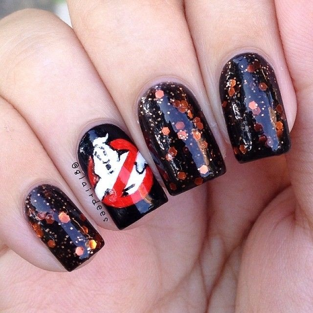 "<p>Via <a href=""https://www.pinterest.com/MissRachel876/halloween-nail-designs/"">Pinterest</a></p>"