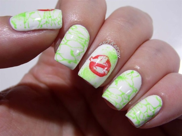 "<p>Via <a href=""http://nailartgallery.nailsmag.com/plus10kapow/photo/427270/ghosbusters-ectoplasm-nails"">Nail Art Gallery</a></p>"