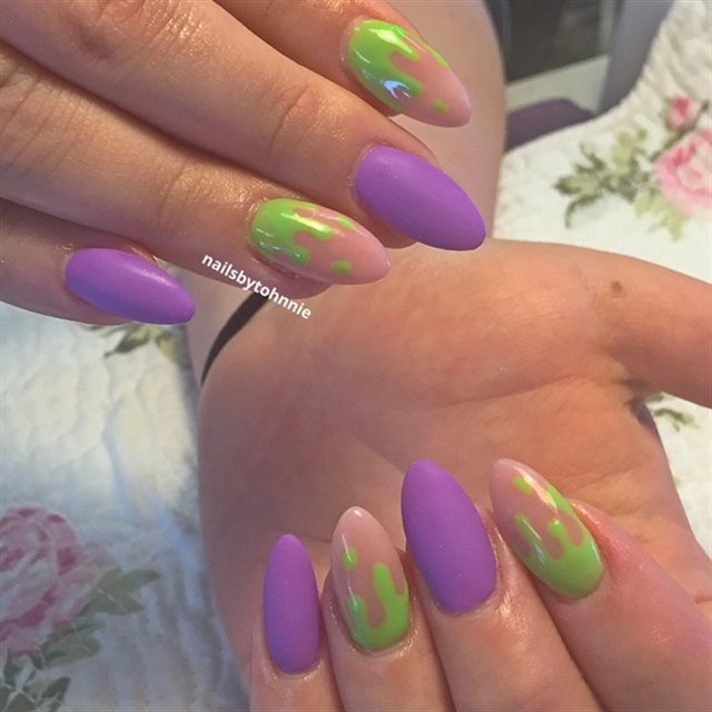 "<p>Via <a href=""http://nailartgallery.nailsmag.com/nailsbytohnnie/photo/448211/ghostbusters-nails"">Nail Art Gallery</a></p>"