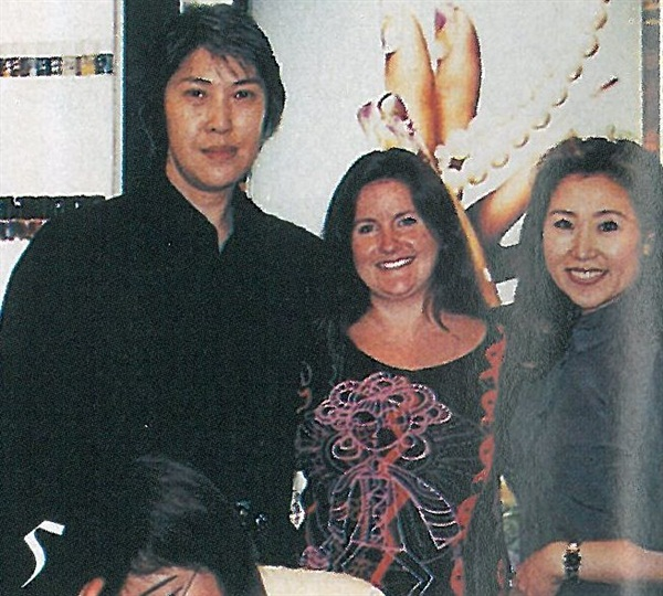 When we got to Tokyo, Hidemine Aritou, Odyssey Nail Systems' top Japanese educator and I stopped by Matsuzakaya department store in the Ginza shopping district to visit Miyuki Kaneko at one of her nail salons. Ms. Kaneko is often featured in Japanese beauty magazines for her work at charity events and fashion shows.