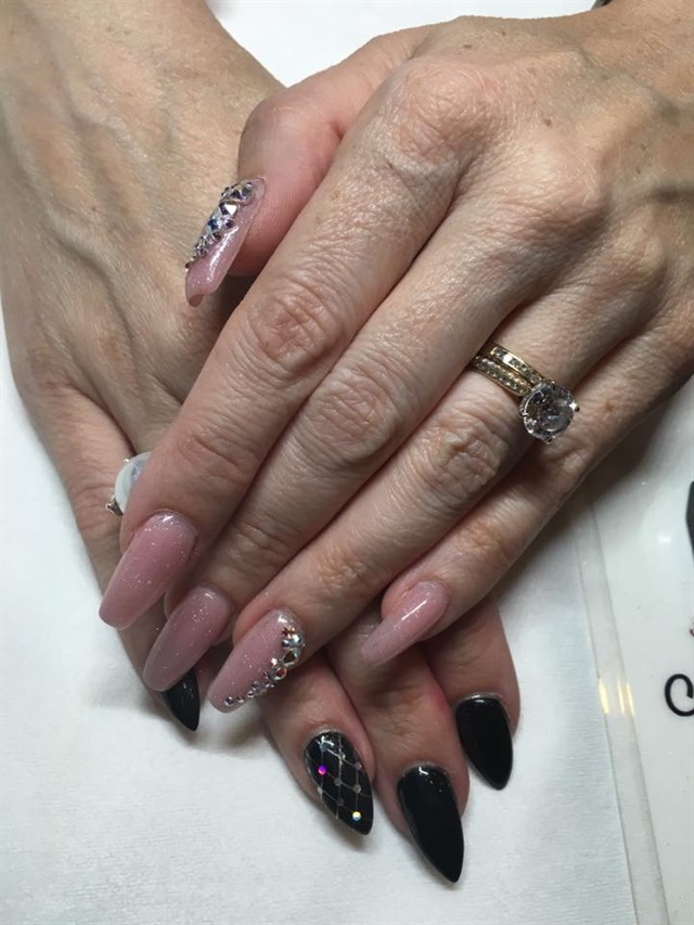 Photo credit: Beth Livesay, NAILS Magazine @mobilemanicurist