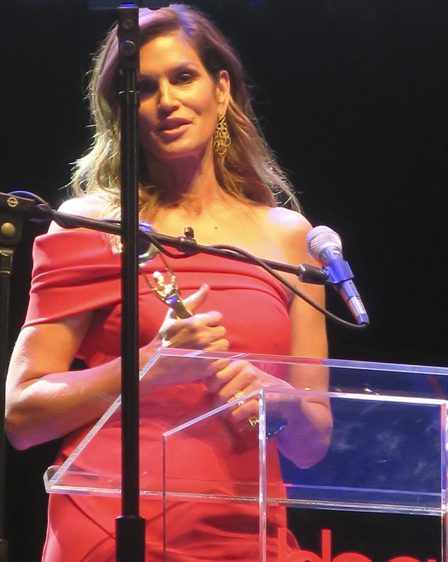 Honoree Cindy Crawford