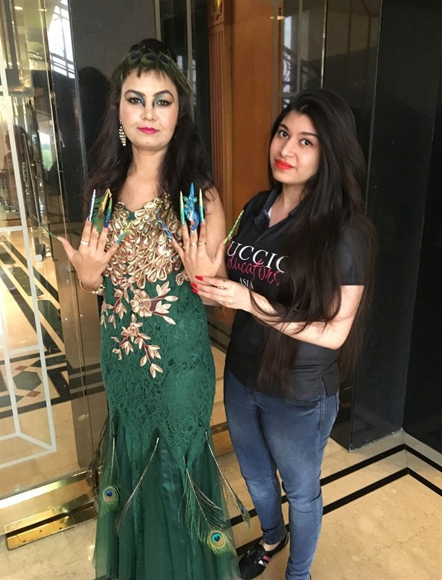 <p>Anubhooti Khanna and her model.</p>