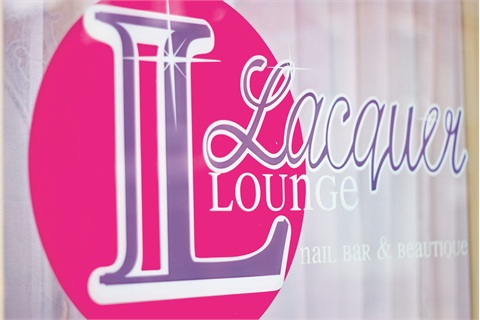 "<p> </p><p class=""captions-numnestedsalonprofile"">Lacquer Lounge, located in the Queen Village of Philadelphia, sees primarily female clients between the ages of 20 and 40.</p><p> </p><p> </p>"